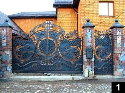 Розпашні ковані ворота